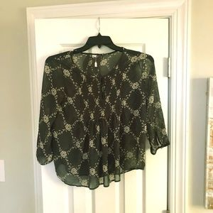 Adorable Sheer Old Navy Flowered Blouse Sz XS